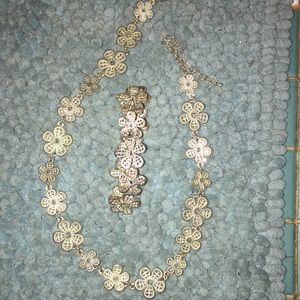 Jewelry - Necklace n matching bracelet